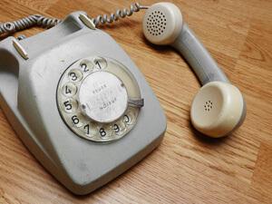 Wählscheibentelefon - Rainer Sturm - pixelio.de